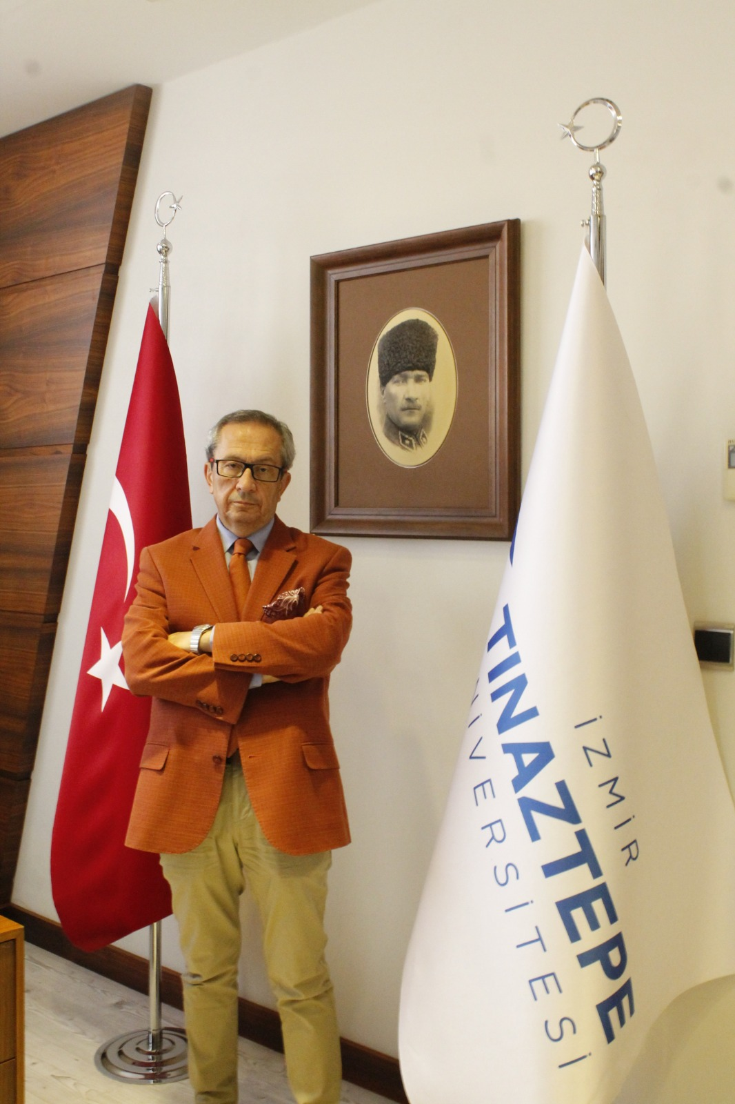 <p>Rektor<br /> Prof. Dr. Osman Gürhan Günaydın</p>